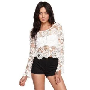 3/$15 Kendall & Kylie lace crochet cropped top M
